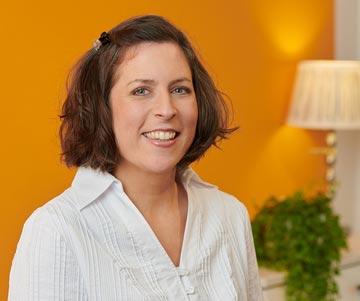 Assistentin Nina amerikanische Chiropraktik München Gräfelfing Hobauer